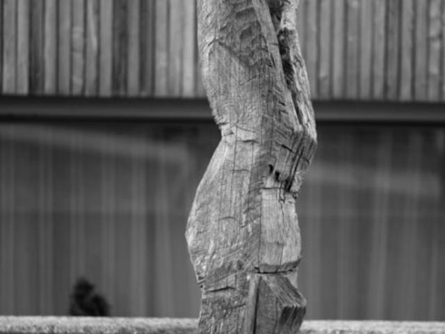 "Skulptur ""Handstehender"""